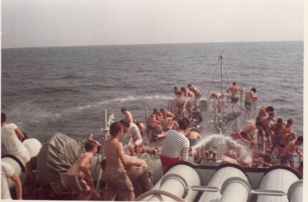 [ Les traditions dans la Marine ] LE PASSAGE DE LA LIGNE - ÉQUATEUR (Sujet unique) 061113043637208473