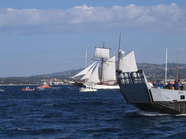 Départ des voiliers de Toulon pour la parade. 070727110650917038