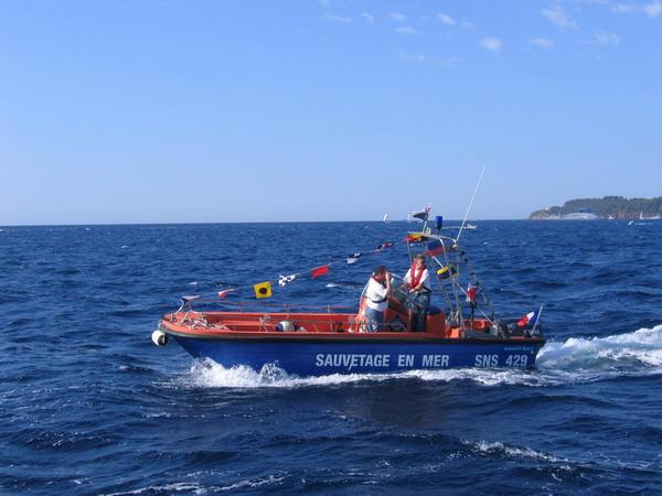 Départ des voiliers de Toulon pour la parade. 070727110910917050
