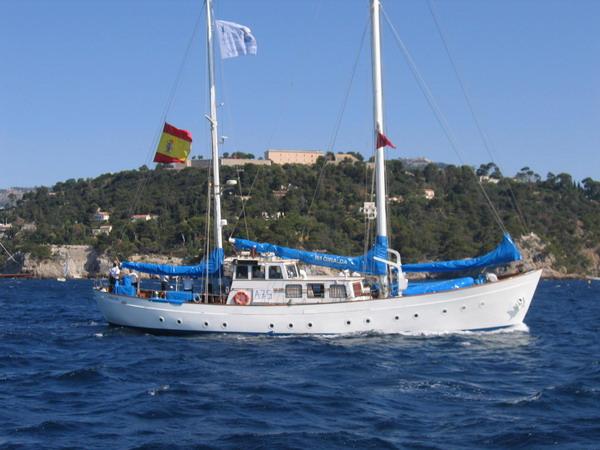 Départ des voiliers de Toulon pour la parade. 070727111420917077