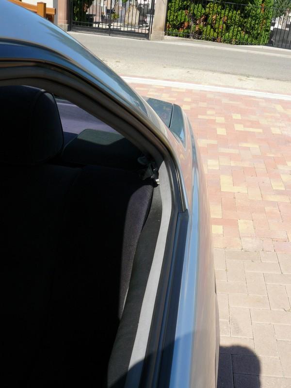 BMW 328 i E36] Joints des vitres AR craquelés sur coupé