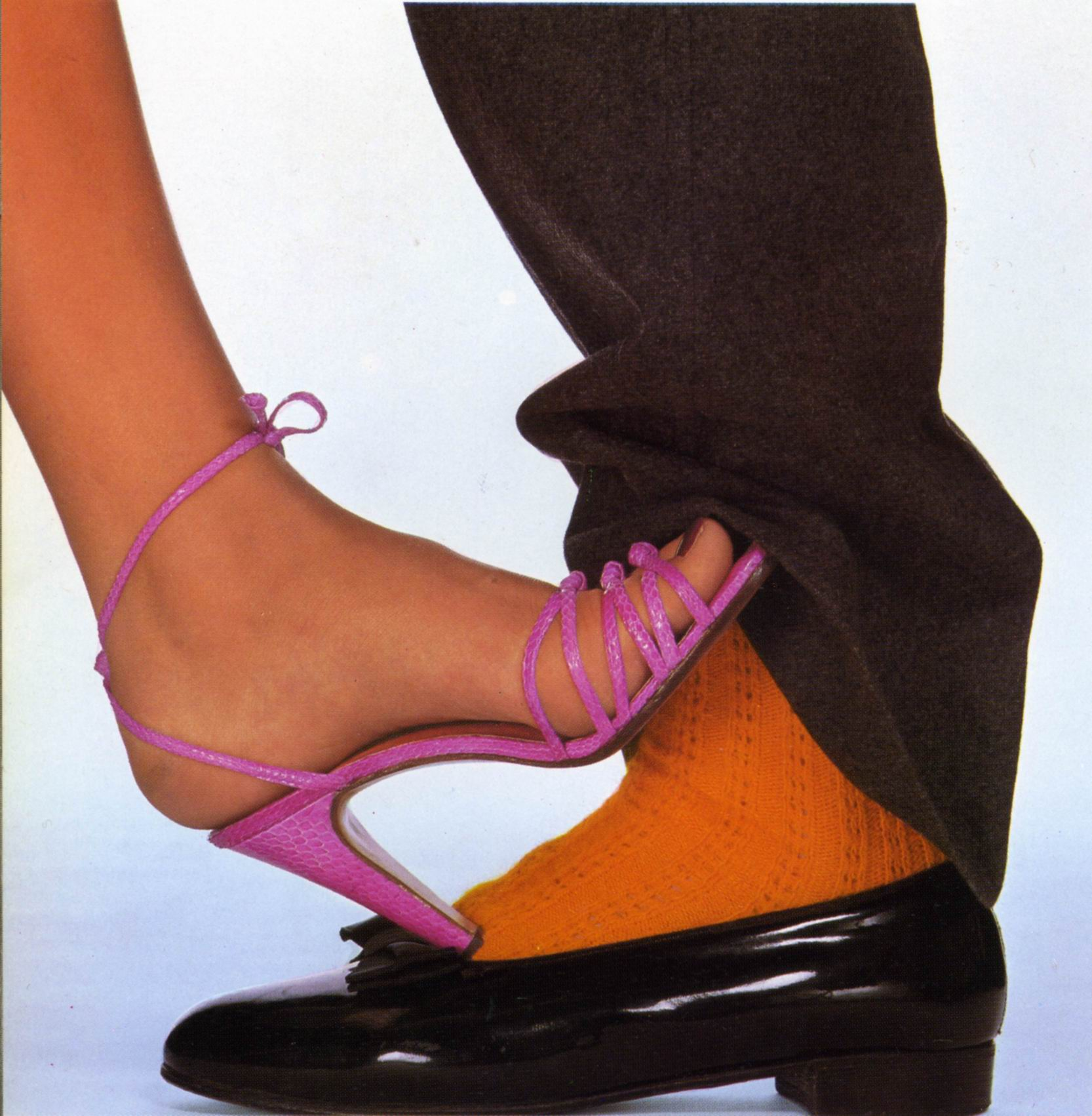 penn 1978 vogue mars shoe stings fb